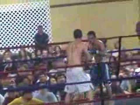 MMA heltown style - Wrestler workin' some stand