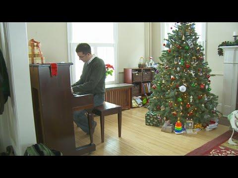 Study Says Christmas Music Too Early May Be Harmful