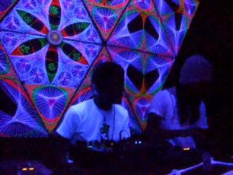 2009年4月4日 散狂/和刻 RAVER'S cafe Psychedelic trance DJ左利VS菊池