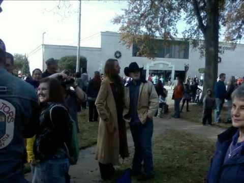2faithfulBeachBums: GOD On Throne, Henderson County Courthouse, Athens, TX