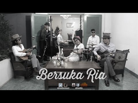 #LIVEATKLAUS   Deredia - Bersuka Ria