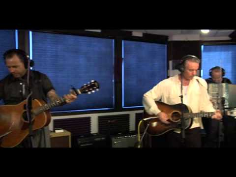 Social distortion - Ball And Chain ( acoustic )