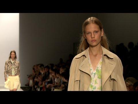 Vanessa Bruno Spring 2014 -- Paris Fashion Week -- Interviews & Runway - Videofashion