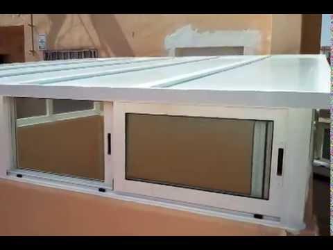 Cerramiento de aluminio con ventanas laterales correderas for Panel sandwich aluminio blanco