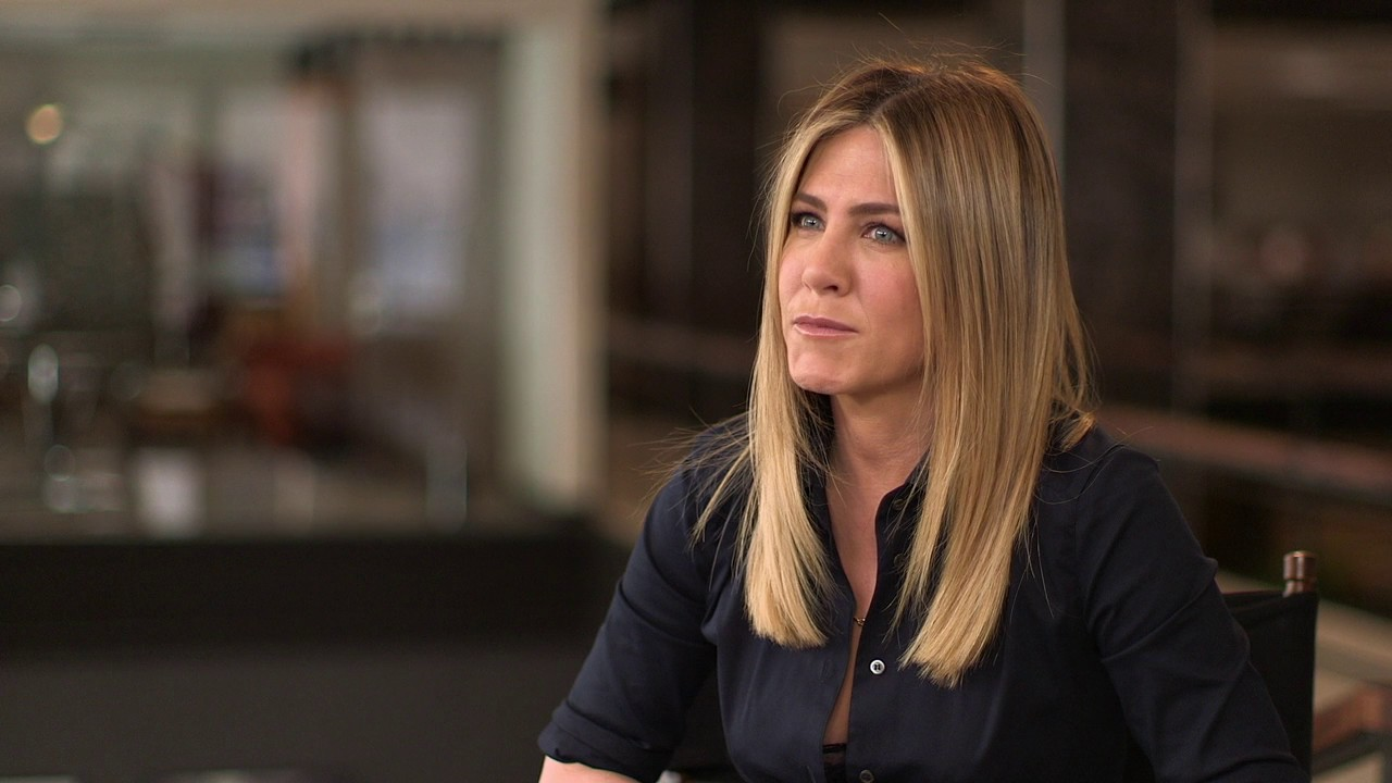 Office Christmas Party Uber Driver.Office Christmas Party Jennifer Aniston Carol Behind The Scenes Movie Interview