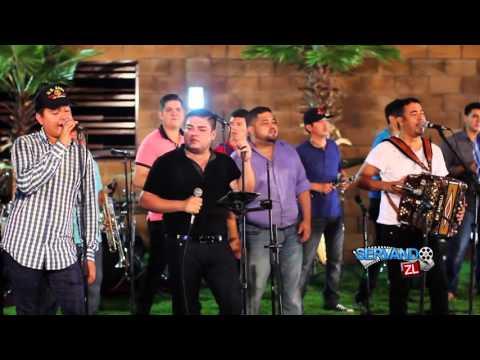 Los Elementos De Culiacan Ft Lenin Ramirez &  Banda La Conquista-  Cuando Niño (En Vivo 2015)