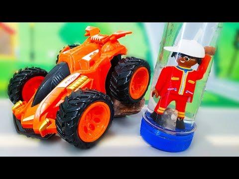 Видео для детей. Петрович делает цветную жидкость - галактика. Новый мультик про машинки.