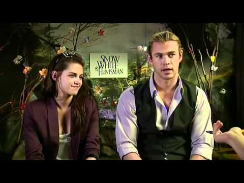 Kristen Stewart  & Chris Hemsworth Interview (THE CIRCLE)