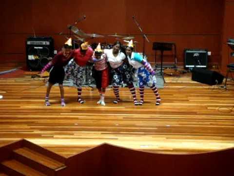 Sunday School Christmas Dance - Super Duper Christmas - YouTube