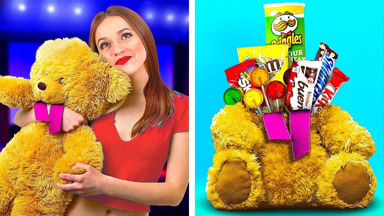 10 FUNNY WAYS TO SNEAK FOOD INTO THE MOVIES! || Spy Hacks With Food by 123 Go! Live