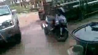 Repeat youtube video Laki bini gaduh guna parang dan sabit ( www.Aku-Sempoi.blogspot.com )