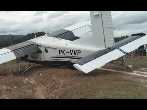 Pesawat Susi Air Tergelincir Ketika Mendarat Mp3