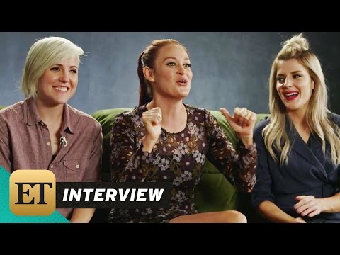 ET LIVE: 'Dirty 30's Hannah Hart, Mamrie Hart, and Grace Helbig Answer Your Questions!
