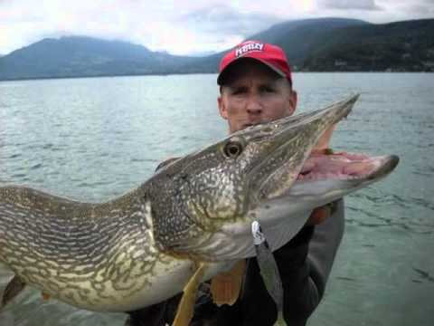 Record gros brochet annecy youtube for Gross reservoir fishing