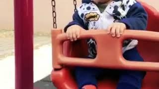 Salıncakta sallanmayı seviyor oğlum benim #anılpoyraz bebek