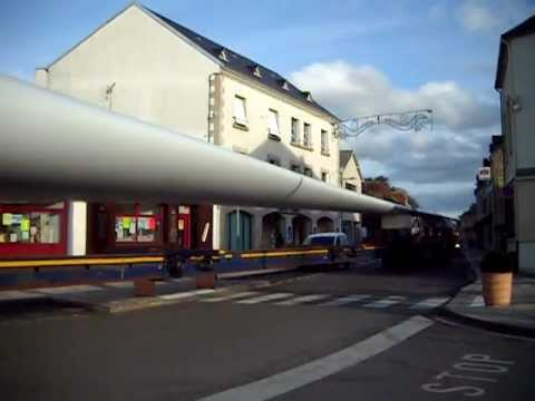 Another 3 windmill blades being transported through Boussac to Saint Marien