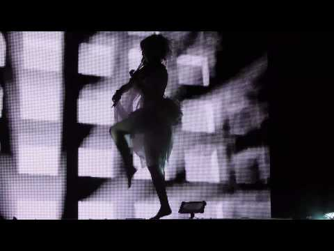 Lindsey Stirling - Song of the caged bird (Live in Berlin, Tempodrom, 19.06.2013)