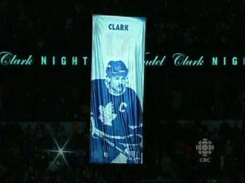 Toronto Maple Leafs honour Wendel Clark