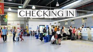 The BASICS of Checking In - Frankfurt Hahn Airport - Ryanair