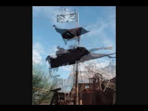 Halloween Pirate cannon ship display 2010
