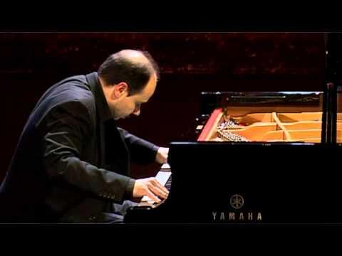 """Claudio Martinez-Mehner plays C.Debussy - Prélude """"Feux d'artifice"""""""