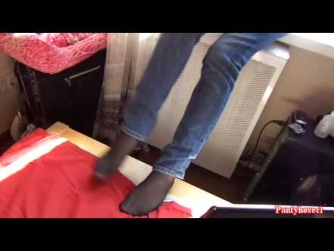 Девушки в колготках и чулках Ножки VK
