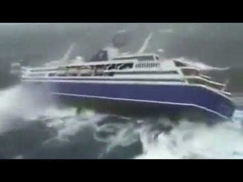 Top 5 Ocean Liners in a Storm