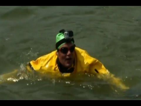 christopher swains swim - 480×360