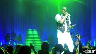 """R. Kelly Performs """"Green Light"""" in NYC"""