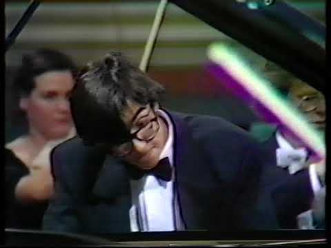 Leeds Piano Competition 1990: (part 3 of 4) Eric Le Sage Schumann Piano Concerto - Simon Rattle