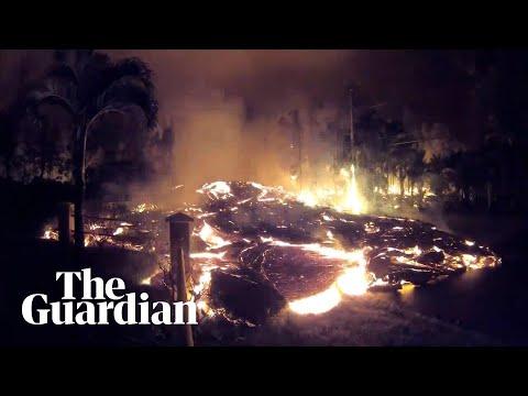 Lava from Kilauea volcano oozes down Hawaii street – timelapse video