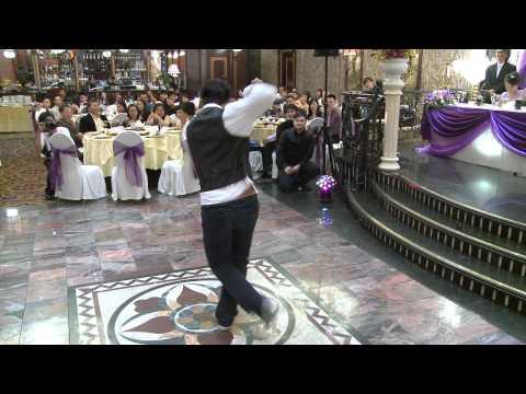 Amazing Robot Dance