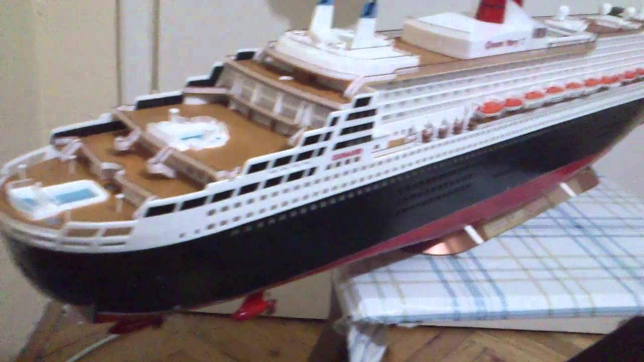 Revell queen mary 2 1 400 by bar van youtube for Garderobe queen mary 2