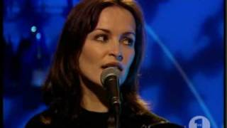 The Corrs - Runaway - VH1(1996)