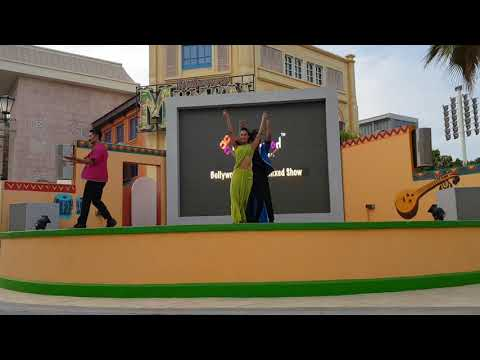 Bollywood parks show / live entertainment/ Dubai parks and resorts / bollywood remix show part 1