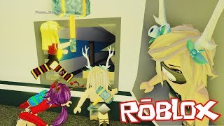 GIRLS' WAR! Playing with Nia, Sel, Laia and Phoebe flee the facility at Roblox