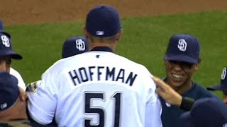 Trevor Hoffman records his 500th career save