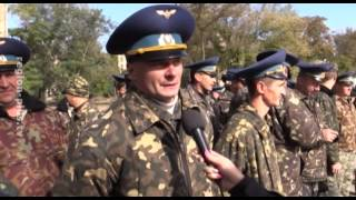 Военных поздравили с Днём защитника Украины(Сегодня в авиагородке состоялся митинг, посвящённый Дню защитника Украины. В адрес военнослужащих 25-й гвар..., 2015-10-15T12:33:30.000Z)
