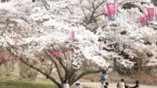 広島県福山市神辺町のご当地ソングで、葛原しげるさんの「夕日」をヒントに作りました。