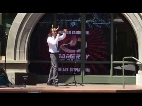 Loki Sings Karaoke Cosplay Nerd-Con 2016 Escondido 2016 Marvel