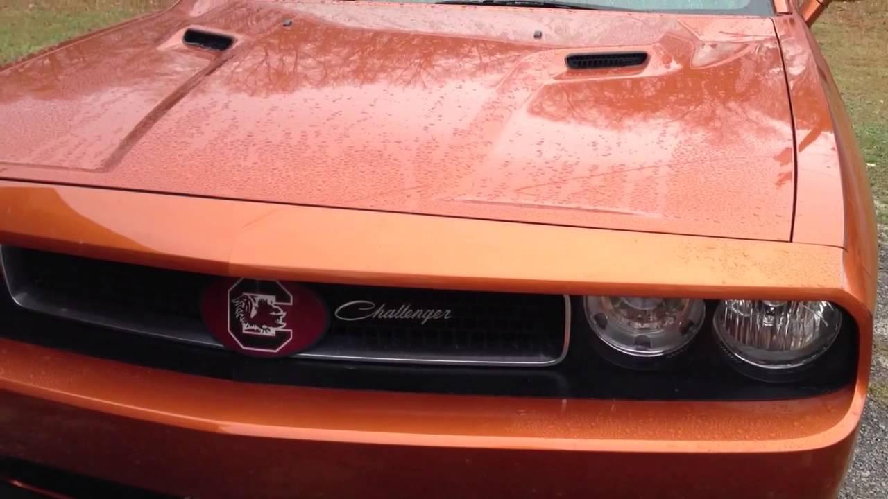 2011 Dodge Challenger Se With Script Front Grill Emblem