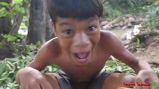 Primitive Technology - Eating Delicious In Jungle - Cooking Fish Egg On The Rock #171