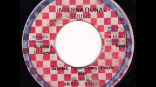 ReGGae Music 242 - Errol Scot - Babylon Fight Down Youthman  [Internacional Sound]