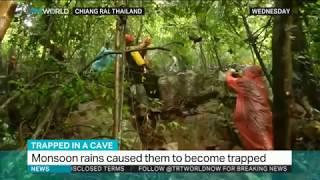 В пещере Таиланда обнаружили тела пропавшей футбольной команды.