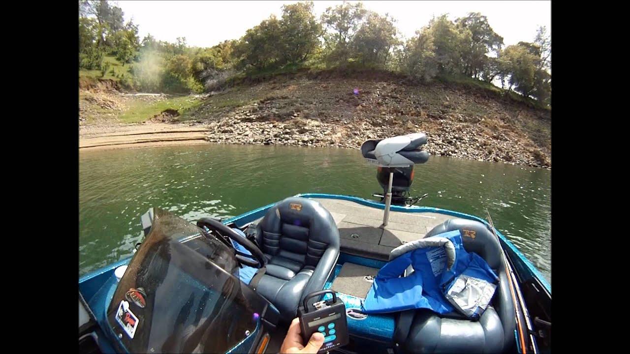 Bass fishing at lake don pedro youtube for Lake don pedro fishing report