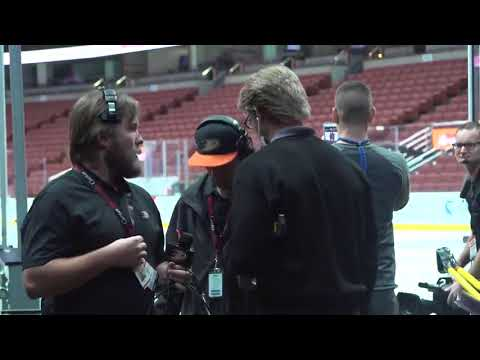 Kevin Bieksa goes undercover as a security guard