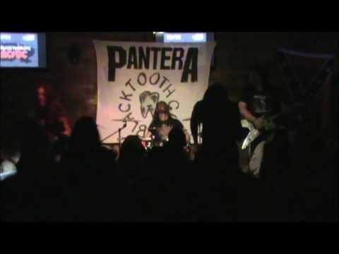 BlacK TootH GriN - Intro + Suicide Note pt 2  @Tio Remi Bar/Igrejinha-RS