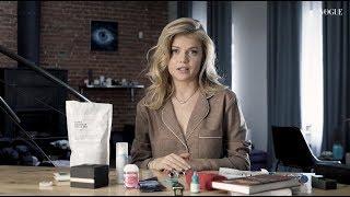 Что в сумке у Марии Иваковой?