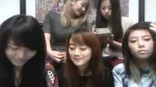 110210 Wonder Girls Llive Webchat -2/4