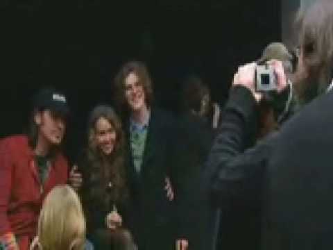Miley and Billy Ray Visit Nashville Children's Hospital - 12/23/08